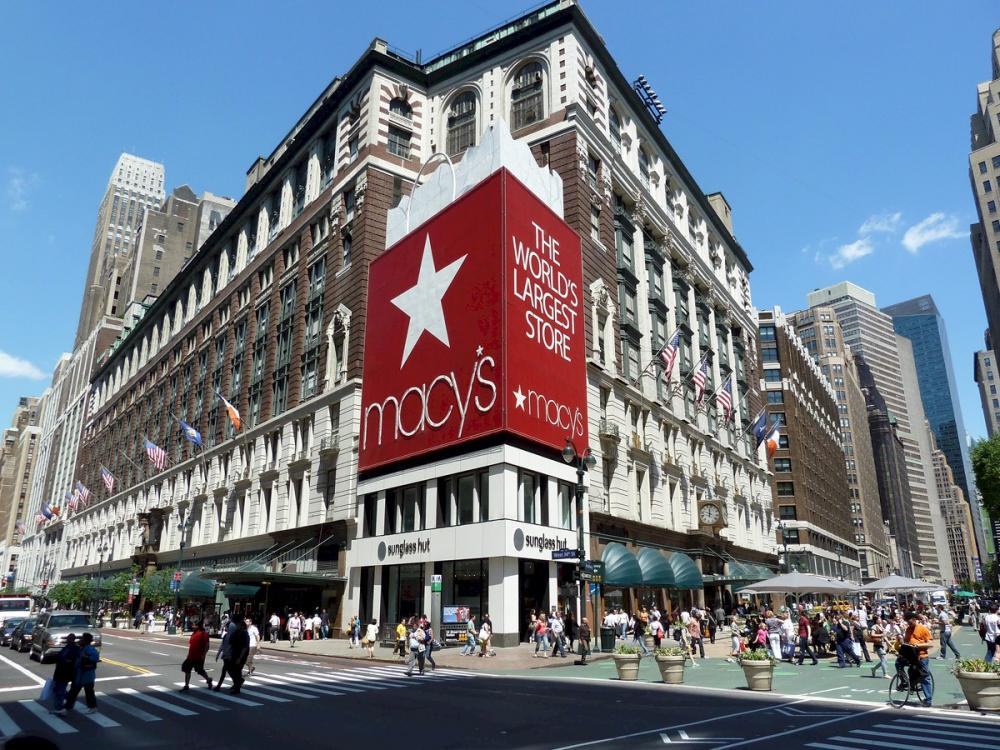 Macy's has the latest fashion brands on Women's and Men's Clothing, Accessories, Jewelry, Beauty, Shoes and Home Products. Macy's offers FREE SHIPPING! in the U.S. with purchases of $99 or more, all day, every day!